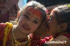 """尼泊尔女孩举行婚礼 嫁给""""贝尔""""果"""