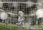 意大利1-1巴拉圭 布冯很无奈