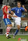 意大利VS巴拉圭 吉拉迪诺处处受阻