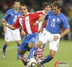 图文:意大利VS巴拉圭 吉拉迪诺难以施展