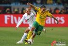 南非0-3乌拉圭 皮纳尔展翅
