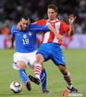 图文:意大利1-1巴拉圭 赞布罗塔独自前进