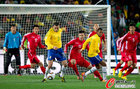 图文:巴西2-1朝鲜 卢西奥的控制