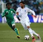 图文:希腊VS尼日利亚 萨马拉斯飞快突破
