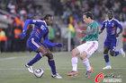 图文:法国VS墨西哥 戈武潇洒扣球