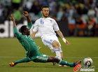 图文:希腊2-1尼日利亚 托罗西迪斯飞身破门
