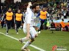 图文:希腊2-1尼日利亚 托罗西迪斯欢庆
