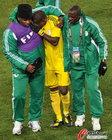 希腊2-1尼日利亚 尼队门将悲痛欲哭