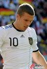 图文:德国0-1塞尔维亚 波多尔斯基懊恼