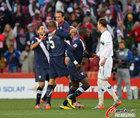 斯洛文尼亚VS美国 多诺万庆祝