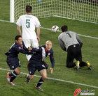 图文:斯洛文尼亚2-2美国 小布拉德利进球