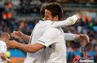 图文:斯洛文尼亚VS美国 斯队员拥抱庆祝
