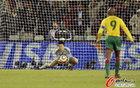 图文:日本1-0喀麦隆 川岛永嗣稳接来球