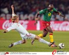 图文:喀麦隆1-2丹麦 埃玛纳飞速突破