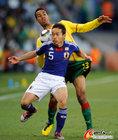 图文:日本1-0喀麦隆 长友佑都表现出色