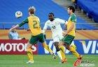图文:加纳1-1澳大利亚 塔戈埃射门