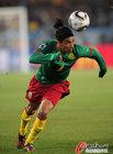 图文:喀麦隆1-2丹麦 埃科托顶球