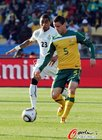 图文:加纳1-1澳大利亚 丘利纳对抗博阿滕