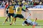 图文:加纳1-1澳大利亚 维克谢尔犯规