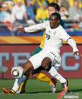 图文:加纳1-1澳大利亚 阿迪防守紧张