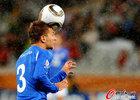 图文:意大利VS巴拉圭 克里西托爆顶