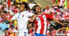 图文:斯洛伐克0-2巴拉圭 里维罗斯闭目争顶
