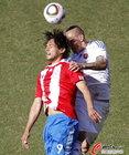图文:斯洛伐克0-2巴拉圭 圣克鲁斯争顶
