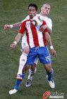 图文:斯洛伐克0-2巴拉圭 巴里奥斯背身护球