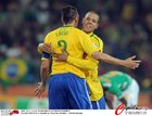 图文:巴西3-1科特迪瓦 卢西奥法比亚诺庆祝