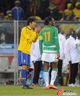 图文:巴西3-1科特迪瓦 卡卡与德罗巴