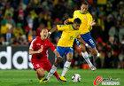 图文:巴西2-1朝鲜 巴斯托斯搬到郑大世
