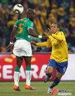 图文:巴西3-1科特迪瓦 佐科拉盯防法比亚诺
