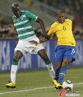 图文:巴西VS科特迪瓦 巴斯托斯前进