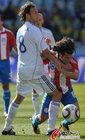 图文:斯洛伐克VS巴拉圭 巴尔德斯遭锁喉