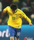 图文:巴西VS科特迪瓦 卡卡十分兴奋