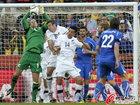 图文:意大利VS新西兰 帕斯顿救球