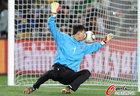 图文:巴西2-1朝鲜 李明国投降