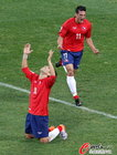 图文:智利1-0瑞士 巴尔迪维亚跪地庆祝