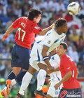 图文:洪都拉斯VS智利 梅德尔高高跃起
