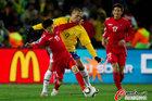 图文:巴西2-1朝鲜 文仁国勇敢前进