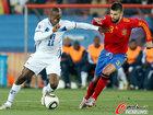 图文:西班牙2-0洪都拉斯 苏亚佐突破皮克