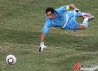 图文:智利1-0瑞士 布拉沃救险