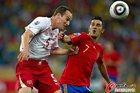图文:西班牙0-1瑞士 冯贝尔根爆顶