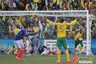 图文:法国1-2南非 穆费拉立功