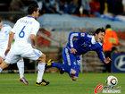 图文:希腊0-2阿根廷 米利托倒地