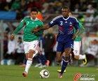 图文:法国0-2墨西哥 巴雷拉无畏阿比达尔