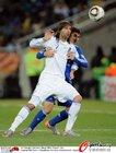 图文:希腊VS阿根廷 萨马拉斯被紧拉