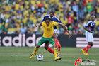 图文:法国1-2南非 皮纳尔无法施展