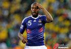 图文:法国1-2南非 加拉一脸茫然