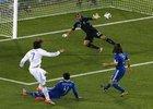 图文:希腊VS阿根廷 萨马拉斯怒射